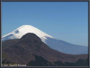 Mar16_071_ClimbingMtMyojingatake_MtFujiMtKintokiRC