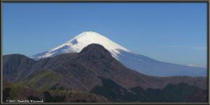 Mar16_073_074_Panorama_ClimbingMtMyojingatake_MtFujiMtKintokiRC