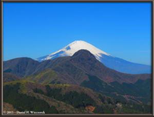 Mar16_076_ClimbingMtMyojingatake_MtFujiMtKintokiRC