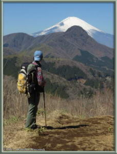 Mar16_081_ClimbingMtMyojingatake_MtFujiMtKintokiKazuyaRC