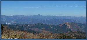 Mar16_088_089_Panorama_PSTM_Adj_ClimbingMtMyojingatake_SceneryRC