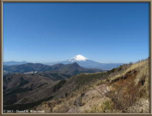Mar16_097_ClimbingMtMyojingatake_MtFujiMtKintokiRC