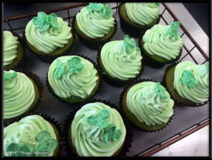March17th_004_ShamrockCupcakeRC