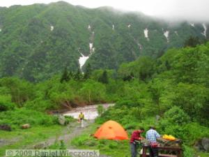 Jul17_MtKita-Dake_Shirane_Oike_HutArea04_SceneryRC.jpg