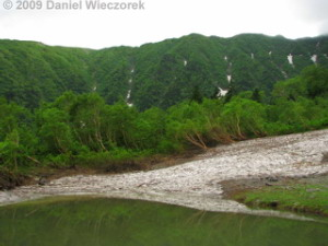 Jul17_MtKita-Dake_Shirane_Oike_HutArea15_SceneryRC.jpg