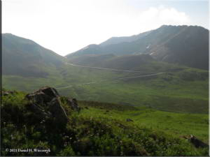 Jul18_071_HatcherPassArea_ClimbToPond_SceneryRC