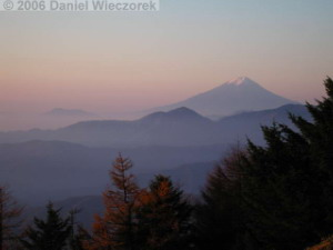 Nov05_Kumotori_SummitSunriseFuji18RC.jpg