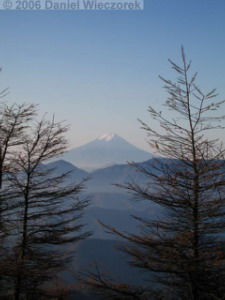 Nov05_Kumotori_SummitSunriseFuji19RC.jpg