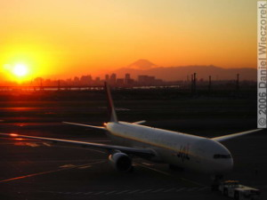 Nov09Fuji_HanedaAirportRC.jpg