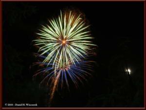 Dec31_22_NewYearsEveFireworksRC