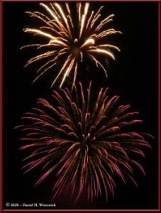 Dec31_29_UAFWestRidge_FireworksRC