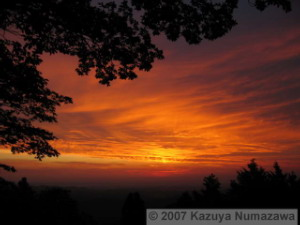 24Jun_HinodeYama_Sunrise02RC.jpg