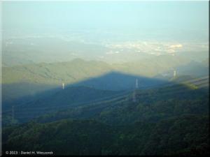 Jun23_HinodeYamaSunsetTime_MountainShadow07RC.jpg