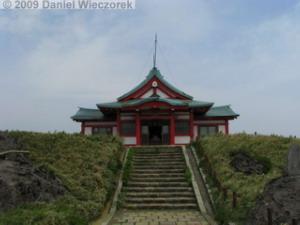 June13_Komagatake_KamiyamaClimb20_ShrineRC.jpg