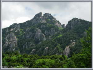 June24_026_MtMizugakiClimb_RockySceneryRC