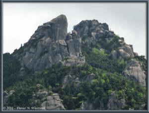 June24_028_MtMizugakiClimb_RockySceneryRC