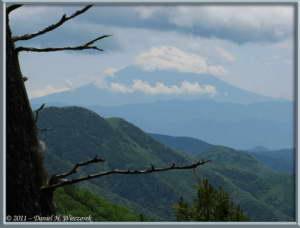 June24_064_MtMizugakiClimb_RockySceneryRC
