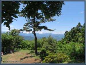 May30_13_TakaoArea_SummitSceneryRC