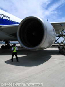 Boeing777_Walkaround06RC.jpg