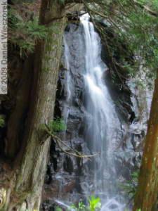 May02_Hahanoshira_Waterfall16RC.jpg
