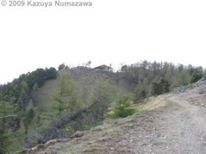 May15_KamosawaMtKumotori114_SummitHutRC.jpg