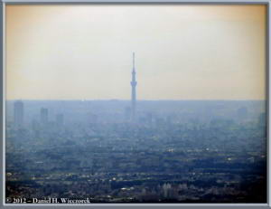 May12_03_MtMitakeScenery_SkyTree_RC