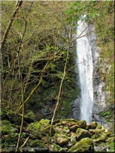 Apr12_Hinohara_Aya_Waterfall04RC.jpg