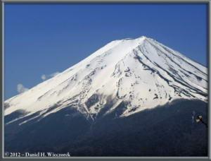 Apr29_165_Adj_KawaguchiLake_KachikachiRopewayTop_RC