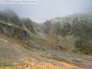 08Oct_Komagatake_DownTrail_Ice_Color_RopewayTop45RC.jpg