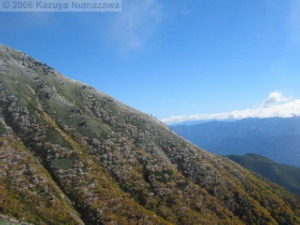 08Oct_Komagatake_DownTrail_Ice_Color_RopewayTop60RC.jpg