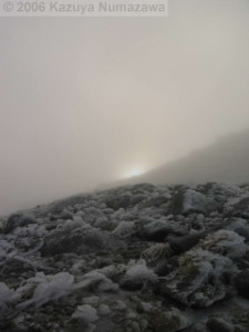 08Oct_Komagatake_Summit_Ice_Sun04RC.jpg