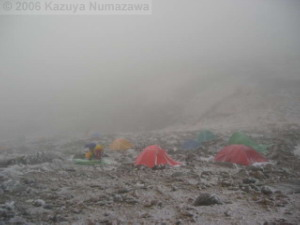 08Oct_Komagatake_Summit_Ice_Tents01RC.jpg