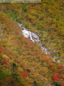 Oct08_KomagatakeRopewayDescent_Colors_Waterfall08RC.jpg