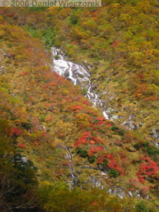 Oct08_KomagatakeRopewayDescent_Colors_Waterfall09RC.jpg