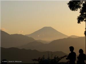 Oct28_Takao_MtFuji39_SunsetRC.jpg