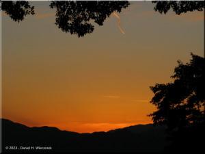 Oct28_Takao_MtFuji90_SunsetRC.jpg