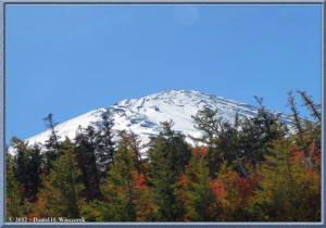 Oct20_097_98_Panorama_MtFuji5thSta_3rdSta_Scenery_FallColorRC
