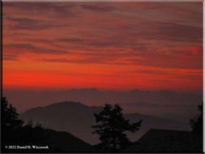 Sep05_Kumotori_Summit_Sunrise06RC.jpg