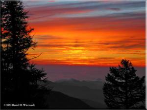 Sep05_Kumotori_Summit_Sunrise07RC.jpg