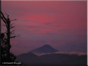 Sep05_Kumotori_Summit_Sunrise11RC.jpg