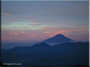 Sep05_Kumotori_Summit_Sunrise28RC.jpg