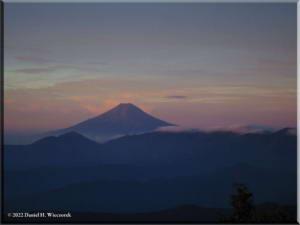 Sep05_Kumotori_Summit_Sunrise31RC.jpg