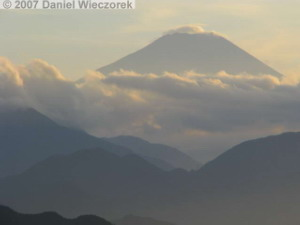 Sep17_Takao_Summit_Fuji14RC.jpg