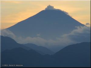 Sep17_Takao_Summit_Fuji38RC.jpg