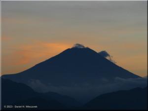 Sep17_Takao_Summit_Fuji49RC.jpg