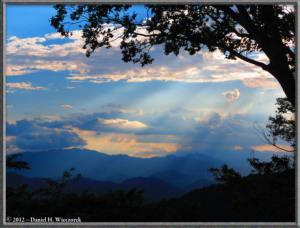 Aug31_11_MtTakao_SunRaysRC