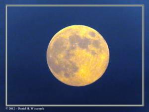 Aug31_37_MtTakao_MoonRC
