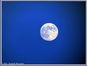 Aug31_43_MtTakao_MoonRC