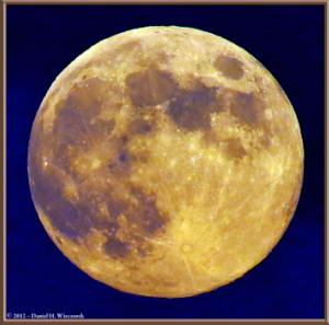 Aug31_49_50_Crop_ATExpLevels_Panorama_MtTakao_MoonRC