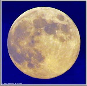 Aug31_49_50_Crop_ATExp_Panorama_MtTakao_MoonRC